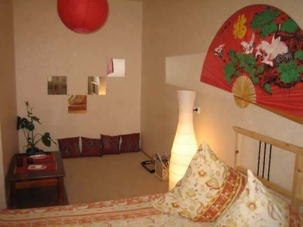 4-комнатные квартиры - Дизайн детской комнаты в мансарде.